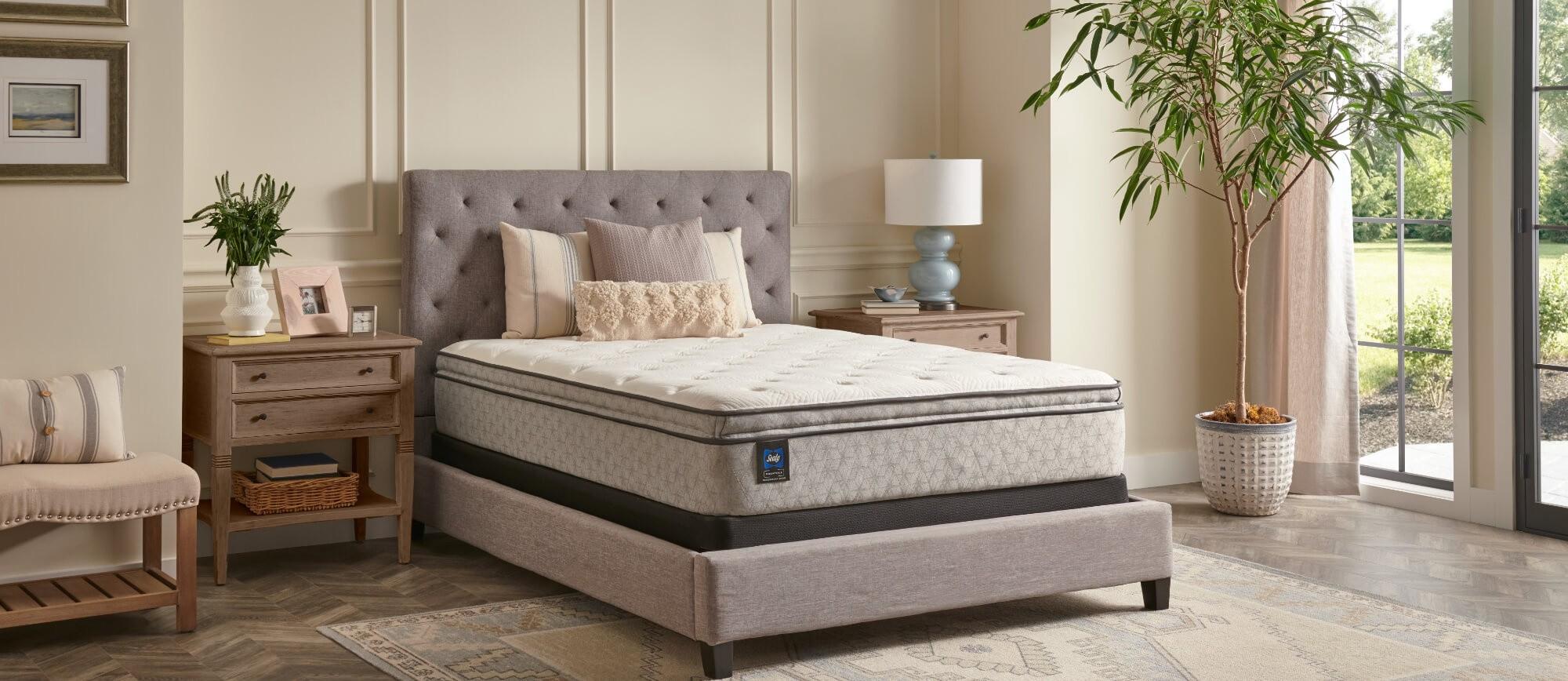 Essentials Pillowtop mattress
